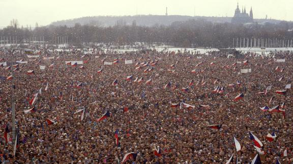 Protesters at Letna Plain on November 25, 1989. Three decades later, the plain was again filled with demonstrators.