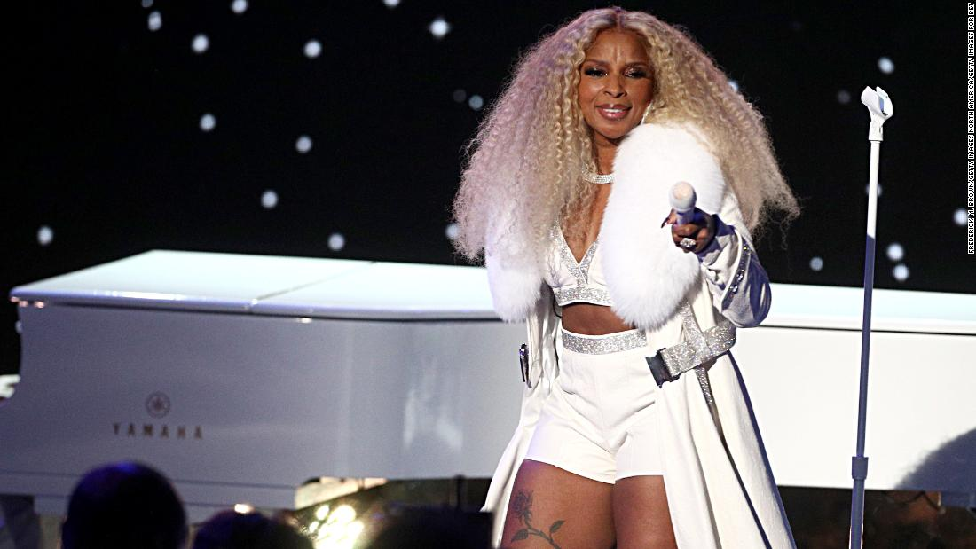Mary J. Blige did her own damn tribute