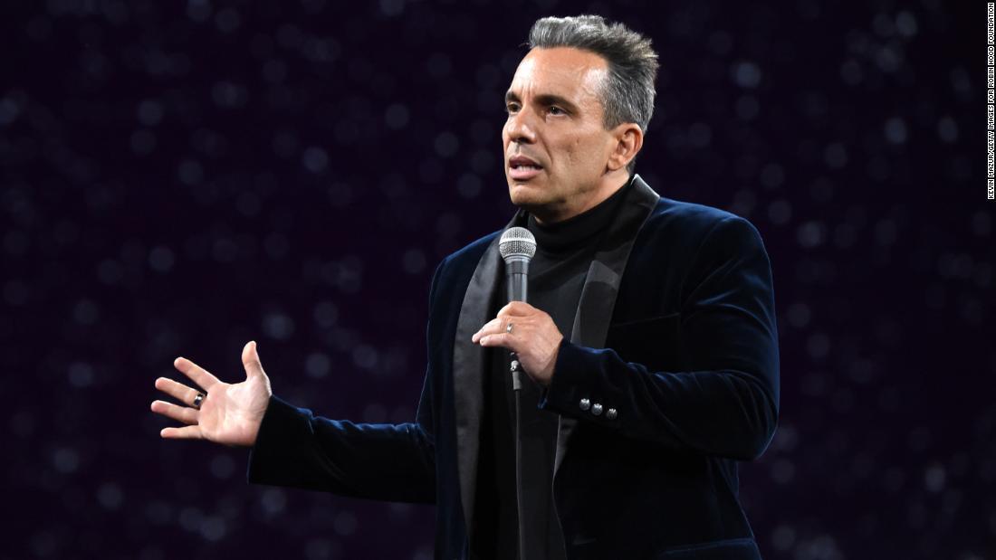 Sebastian Maniscalco will host the 2019 MTV VMAs