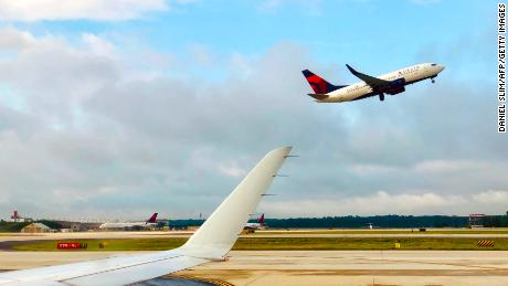 See scary moment Delta plane makes an emergency landing