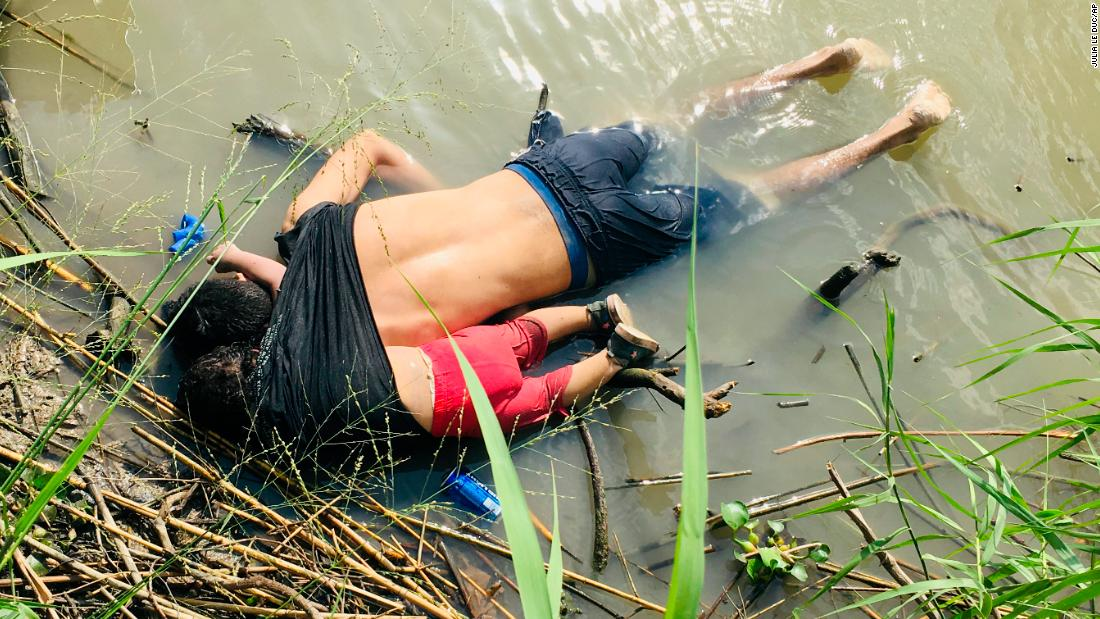 Shocking image emerges of migrant father and child drowned at the US-Mexico border