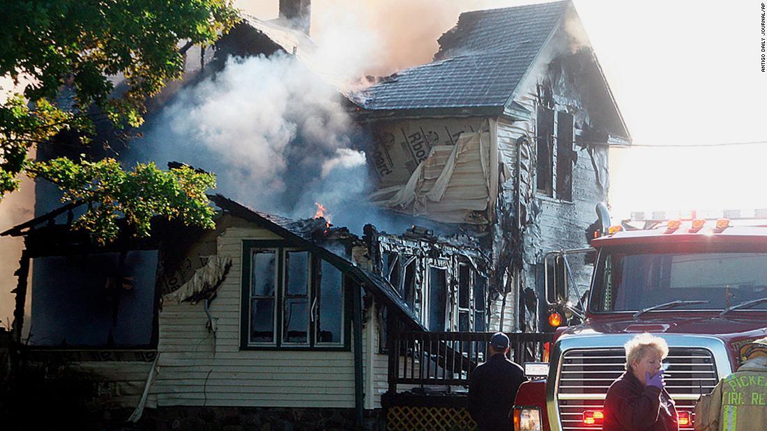6 dead, including 4 children, in Wisconsin house fire