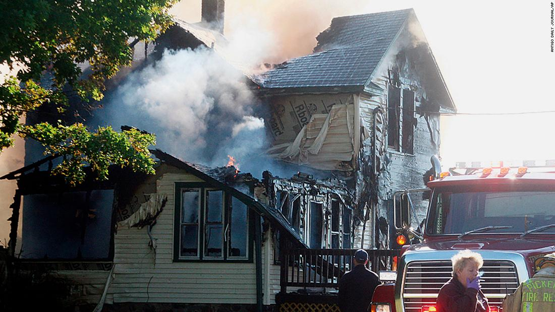 Wisconsin house fire kills 6, including 4 children