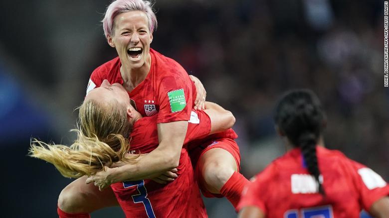ผลการค้นหารูปภาพสำหรับ US soccer star Megan Rapinoe says she's 'not going to the f*****g White House' if the women's team wins the World Cup