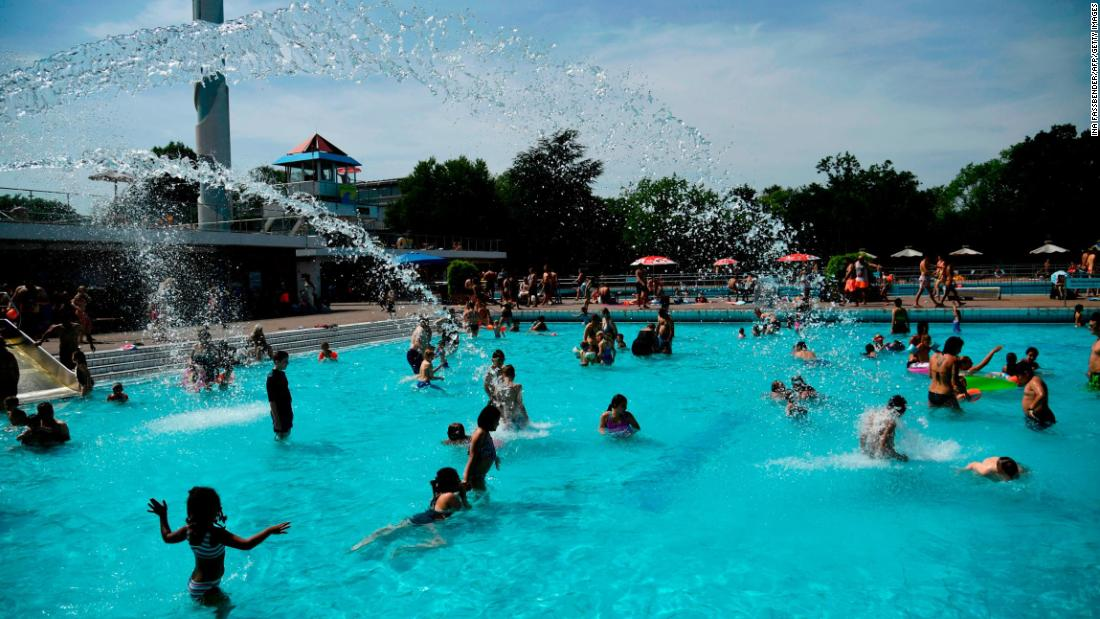 CDC issues warning on 'crypto' fecal parasite that can live for days in swimming pools - CNN thumbnail