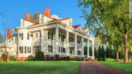 "The Covington, Georgia, house that inspired the Twelve Oaks house in Margaret Mitchell's ""Gone With the Wind."""