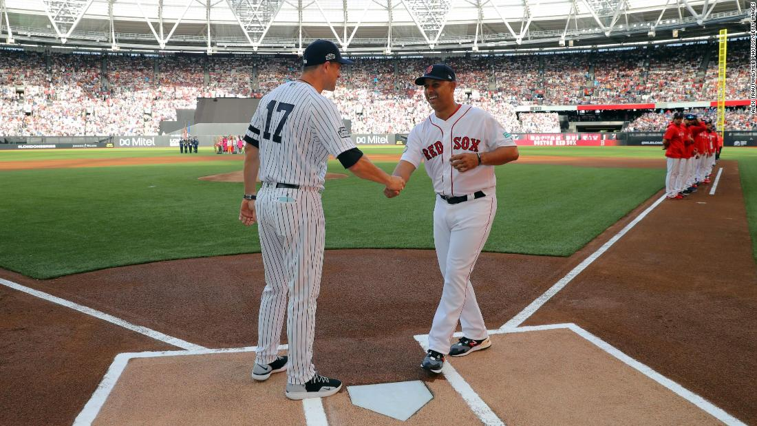 Meghan Markle and Prince Harry: Yankees crush Red Sox as league