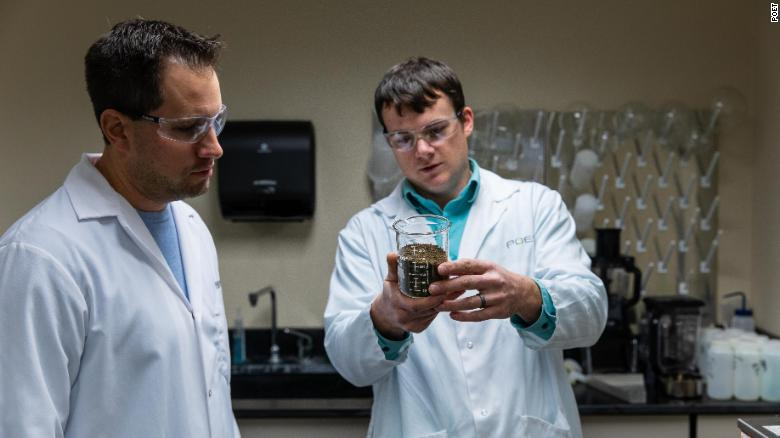 POET's in-house lab works on developing better plant-based alternatives to chemical-based products.