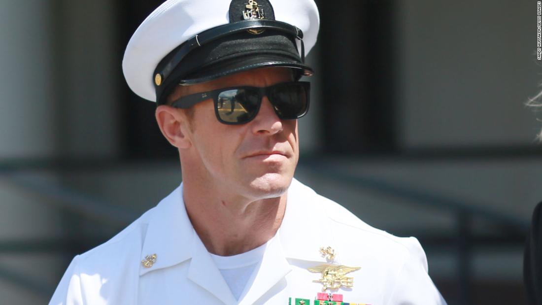 Anggota dari SEAL Team 7 yang disebut perilaku oleh pemimpin Trump turun tangan untuk membantu 'beracun' dan 'jahat' menurut rekaman dari wawancara diperoleh oleh NY Times