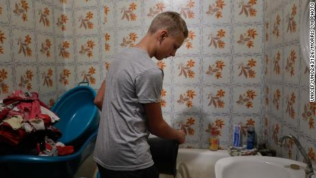 UNICEF: Eastern Ukraine fighting threatens water supply for 3 2