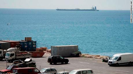 "Gibraltar seizes Iranian oil tanker for Syria [19659008] The EU imposed 2011 a series of financial, trade and transport sanctions against the regime of Syrian President Bashar al-Assad in response to the "" ongoing brutal campaign ""against your own people. </div> <p>  The Syrian government has not responded to the incident A high-ranking official of the Iranian Foreign Ministry and the acting Spanish Foreign Minister Josep Borrell both said the United States had asked the United Kingdom to intercept the ship at any time by any government, ""that the ship </p> <p> ""The decisions of Her Majesty 's Government of Gibraltar have been taken completely independently, based on violations of applicable law and not Englisch: www.germnews.de/archive/gn/1995/11/22.html was that the political considerations were in no way decisions taken at the behest of a political party or at the direction of another state or a third party. Tanker transported oil to Syria. ""src-mini ="" // cdn.cnn.com/cnnnext/dam/assets/190704133431-03-grace-1-gibraltar-0704-small-169.jpg ""src-xsmall ="" // cdn.cnn.com /cnnnext/dam/assets/190704133431-03-grace-1-gibraltar-0704-medium-plus-169.jpg ""src-small ="" http://cdn.cnn.com/cnnnext/dam/assets/190704133431- 03-grace-1-gibraltar-0704-large-169.jpg ""src-medium ="" // cdn.cnn.com/cnnnext/dam/assets/190704133431-03-grace-1-gibraltar-0704-exlarge-169 .jpg ""src-large ="" // cdn.cnn.com/cnnnext/dam/assets/190704133431-03-grace-1-gibraltar-0704-super-169.jpg ""src-full16x9 ="" // cdn.cnn .com / cnnnext / dam / assets / 190704133431-03-grace-1-gibraltar-0704-full-169.jpg ""src-mini1x1 ="" // cdn.cnn.com/cnnnext/dam/assets/190704133431-03- grace-1-gibraltar-0704-small-11.jpg ""data-demand-load ="" not-loaded ""data-eq-pts ="" mini: 0, xsmall: 221, small: 308, medium: 461, large: 781 ""/> <noscript><img alt="