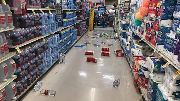 Vons Supermarket in Lake Isabella, California, where items were knocked from shelves during the earthquake