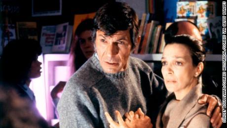 Leonard Nimoy and Lelia Goldoni on the set of 'Invasion of the Body Snatchers' (1978)
