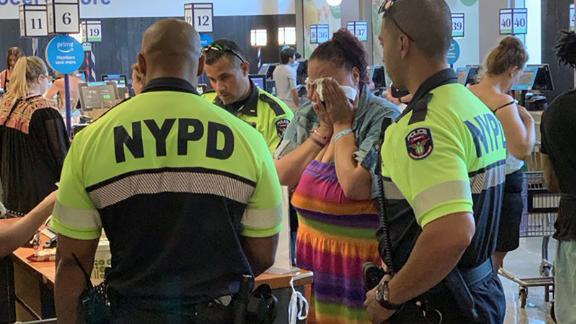New York Police officers paid for a woman's meal at a Manhattan Whole Foods.