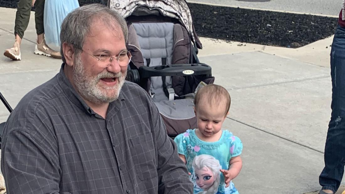 祖父は有料となり死幼児のクルーズ船に変更する司法取引に有罪