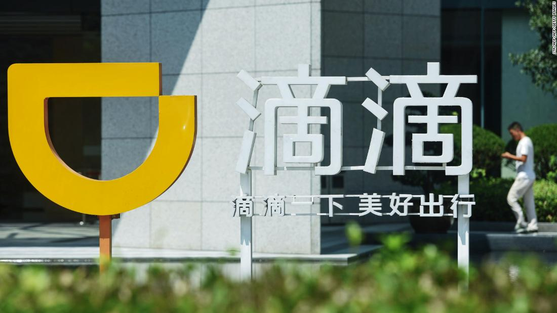 Japan's taxi drivers can now accept Didi rides without removing their gloves