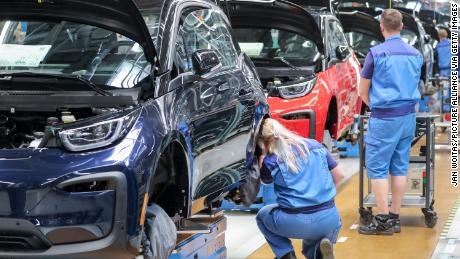 The Global Auto Industry Has the Worst Problems
