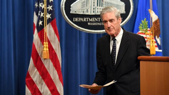 Special Counsel Robert Mueller leaves after speaking on the investigation into Russian interference in the 2016 Presidential election, at the US Justice Department in Washington, DC, on May 29, 2019. (Photo by MANDEL NGAN / AFP)        (Photo credit should read MANDEL NGAN/AFP/Getty Images)