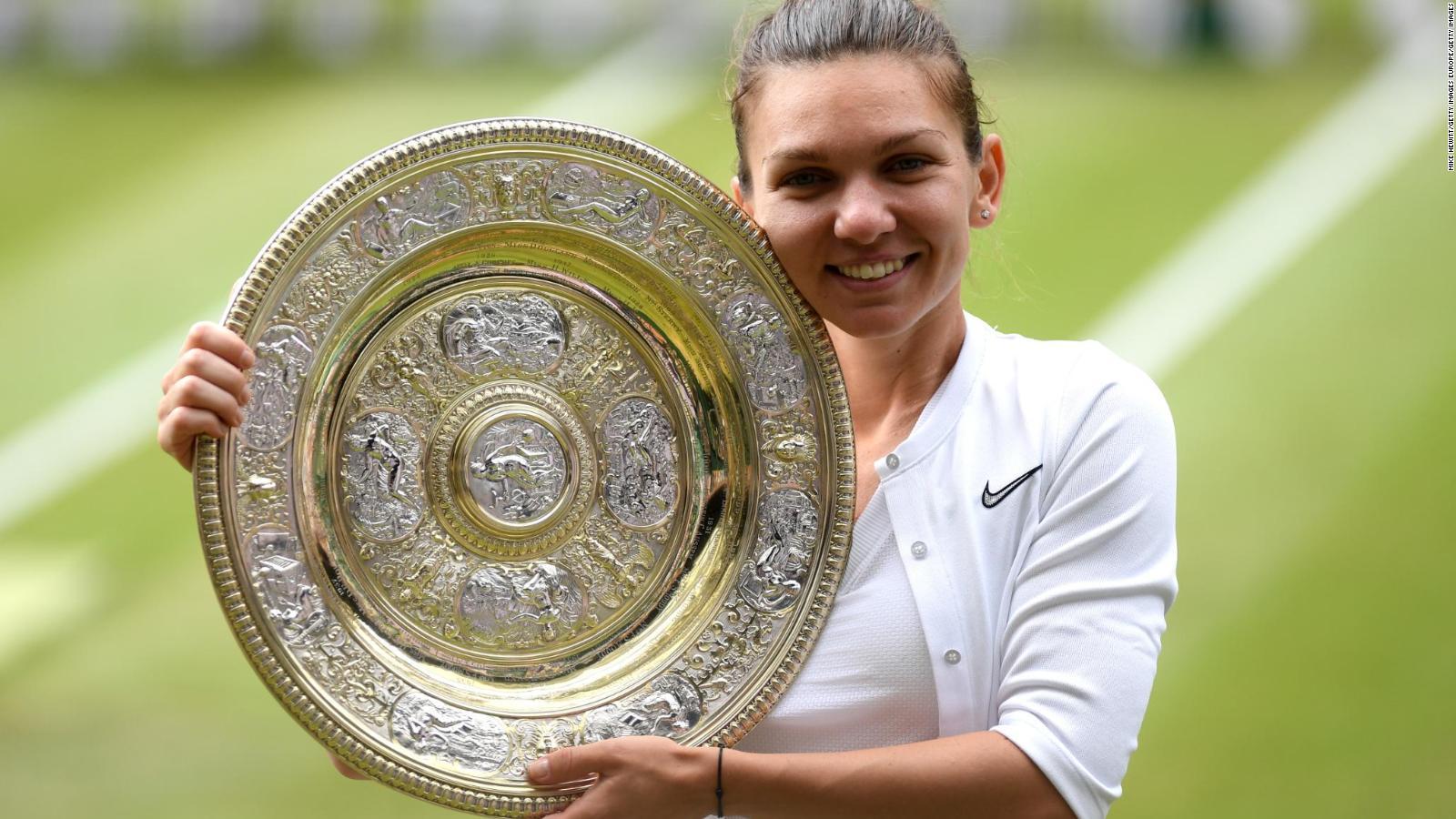 Simona Halep beats Serena Williams to
