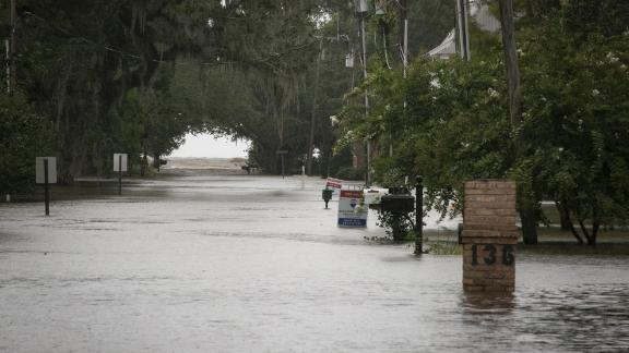 Water floods a neighborhood near Lake Pontchartrain, after Tropical Storm Barry makes landfall in Lewisburg, Louisiana U.S., on Friday, July 13, 2019. Barryis threatening to bring life-threatening floods after making landfall in Louisiana on Saturday, as the tropical storm lashes the state with as much as two feet of rain. Photographer: Nicole Craine/Bloomberg via Getty Images