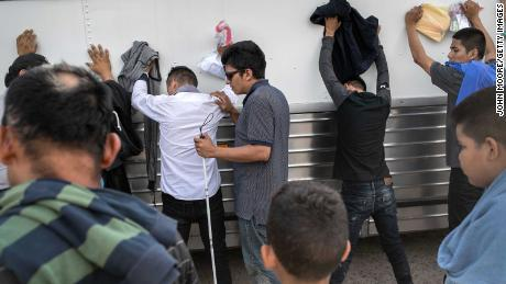 Asylum agreement between US and El Salvador is ready to go into effect