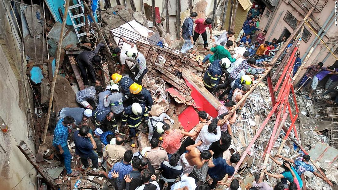 Building collapses in Mumbai trapping dozens inside