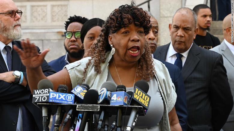 New York judge orders judicial review of Eric Garner case
