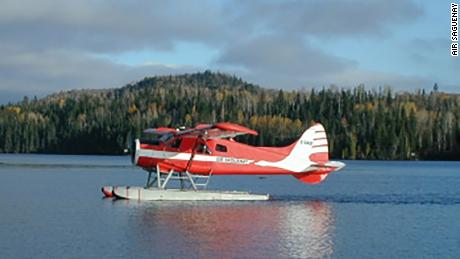 A de Havilland DHC-2 Beaver float plane like the one pictured here went down in Mistastin Lake.