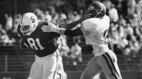 Cory Booker (# 81) plays against USC at Stanford on Oct. 13, 1990. (Photo / Stanford Athletics)