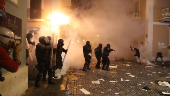 Rosselló defended the actions of police and accused protesters of unleashing tear gas and setting fires during demonstrations.