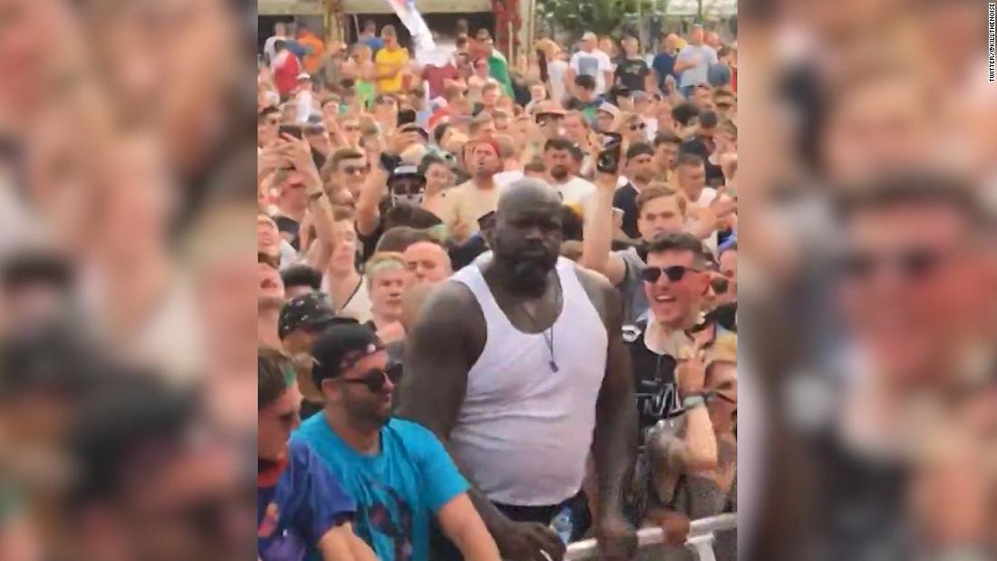 Shaq joins in on mosh pit at festival