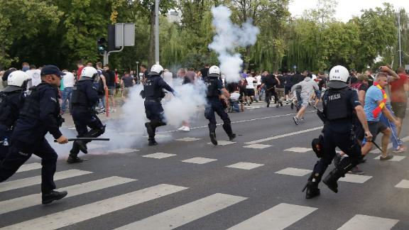 The march after riot police deployed stun grenades and pepper spray to clear the far-right protesters.