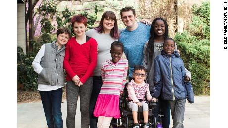 Lee Dingle, wife Shannon Dingle and their six children.