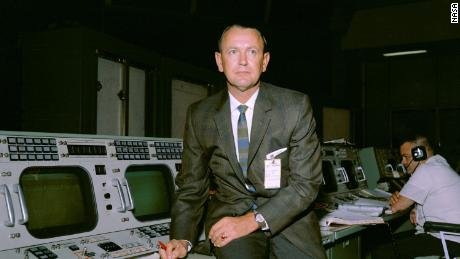 Kraft seen at his flight director console in the Mission Control Center during Gemini-Titan V flight simulation.