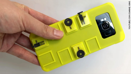 Forget touchscreens: This case controls a smartphone with buttons and dials