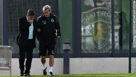 Bruno de Carvalho (left) chats with former coach Jorge Jesus (right) in 2016.