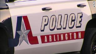 警方称,得克萨斯州一名警官在向不受约束的狗开枪时杀死一名妇女