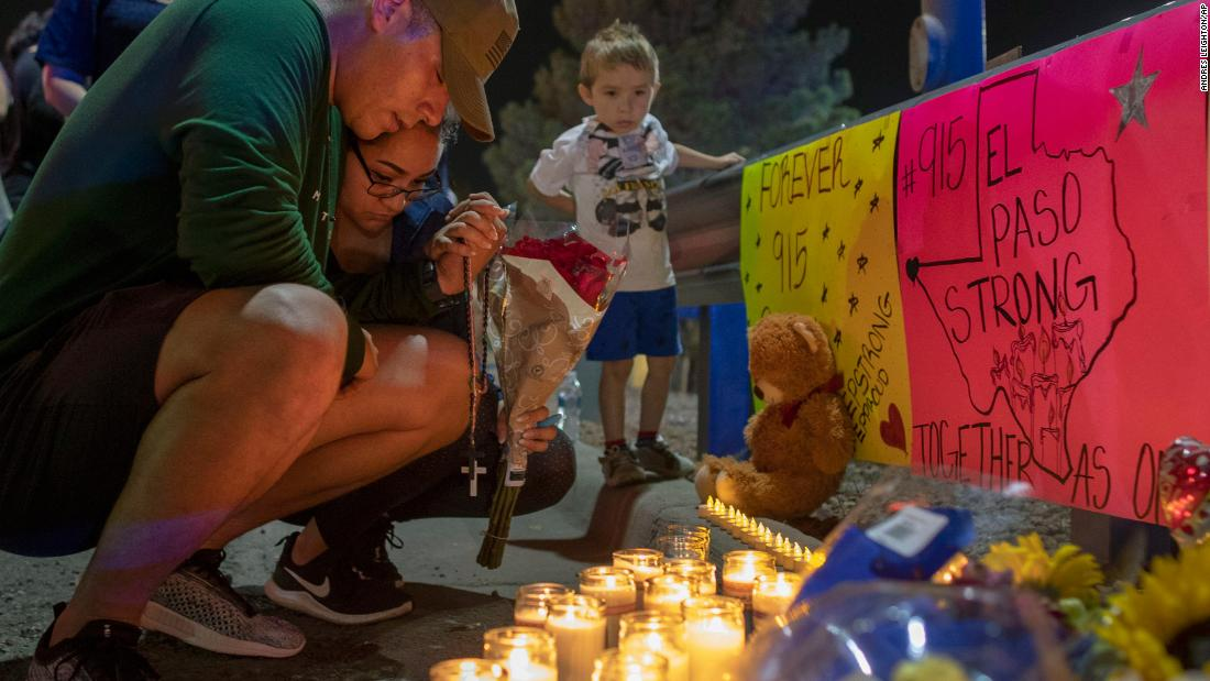 El Paso vigils bring together a city in mourning after mass shooting