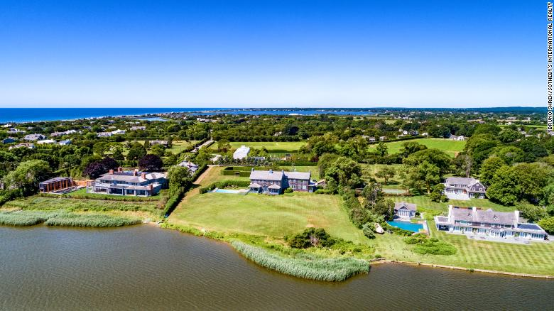 190805092549-02-hamptons-real-estate-market-sothebys-quimby-exlarge-169 Luxury homes in the Hamptons are selling at some pretty steep discounts