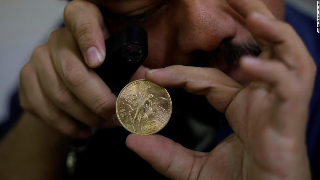 Robbers steal $2.5 million in coins from Mexico's mint in daylight heist