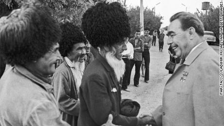General Secretary of the Central Committee of the Communist Party of the Soviet Union, Leonid Brezhnev, meets agricultural workers when Turkmenistan was still part of the USSR.