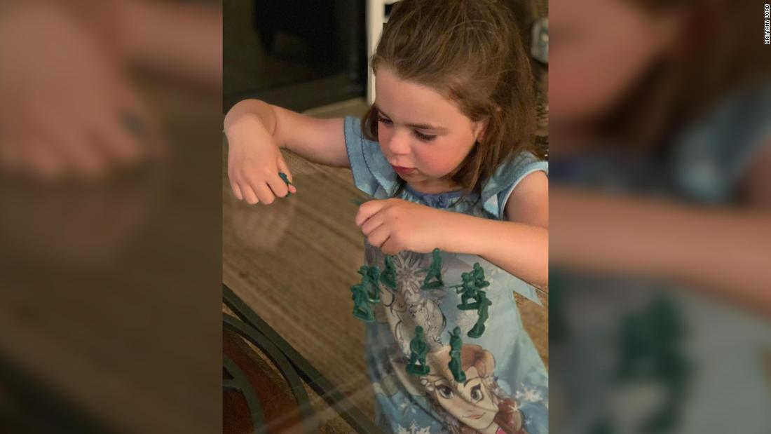 This 6-year-old girl wants to know why there are no female toy soldiers