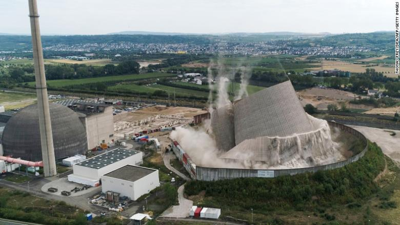 The spectacular moment the cooling tower came crashing down.