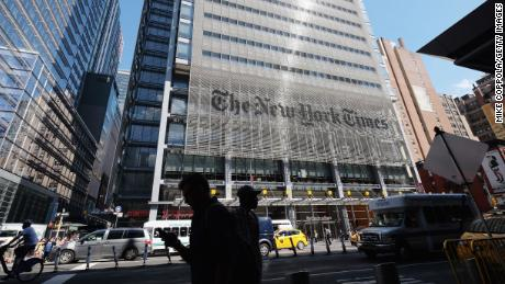 New York Times reaches a record 6 million subscribers but ad revenue falls by double digits
