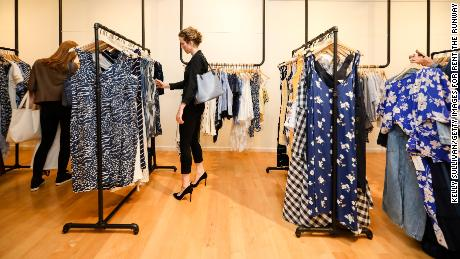 Rent the Runway & # 39; s success has led traditional retailers to introduce their own rental services.