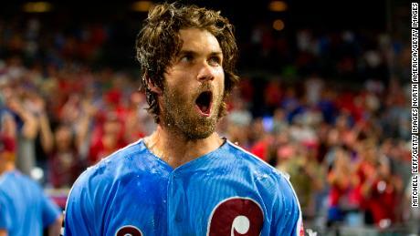 purchase cheap 51c8d 5171a Bryce Harper crushed a walk-off grand slam to beat Cubs - CNN