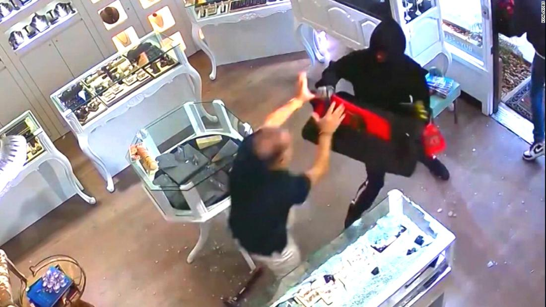 Jewelry store owner fights men with sledgehammers