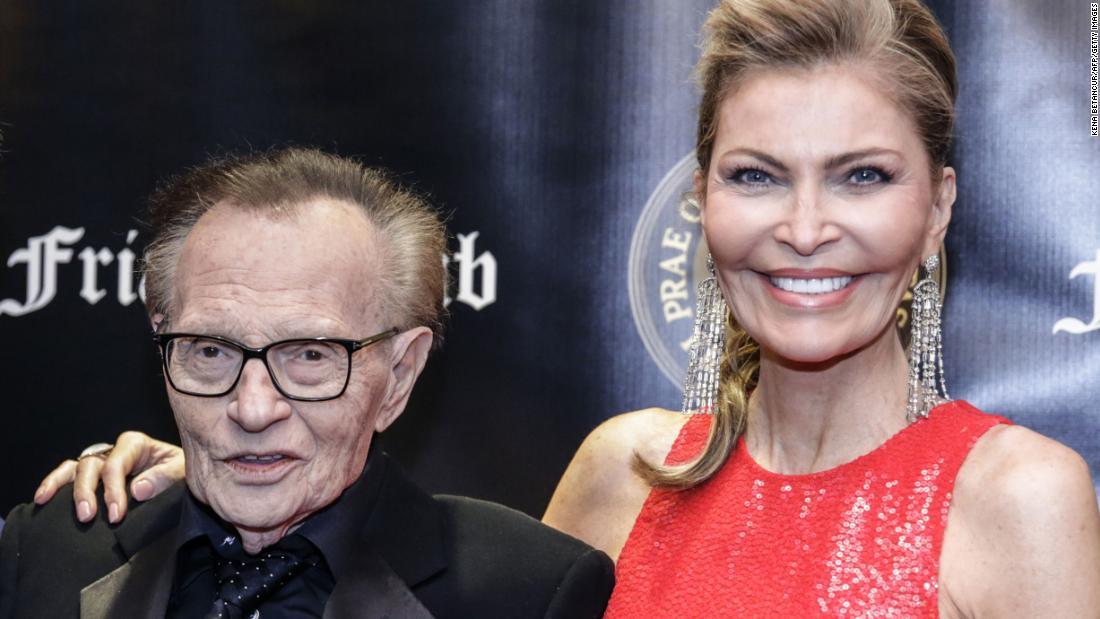 Larry King ' s Frau blindsided durch ausstehende Scheidung