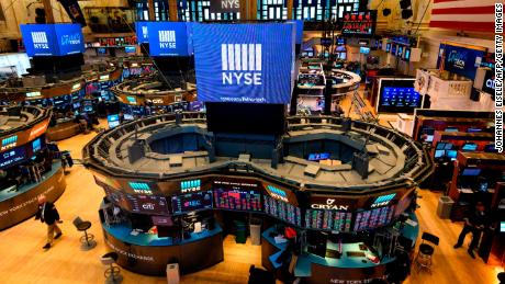Traders work at the New York Stock Exchange (NYSE) on August 14, 2019 in New York City. - Losses on Wall Street accelerated Wednesday as weak economic data from China and Germany and a key US Treasury benchmark exacerbated global recession fears. Near 1500 GMT, the Dow Jones Industrial Average had lost 535 points, or 2.0 percent, sinking to 25,743.88. The broad-based S&P 500 slid 2.1 percent to 2,866.33, while the tech-rich Nasdaq Composite Index dropped 2.3 percent to 7,831.75. (Photo by Johannes EISELE / AFP)        (Photo credit should read JOHANNES EISELE/AFP/Getty Images)