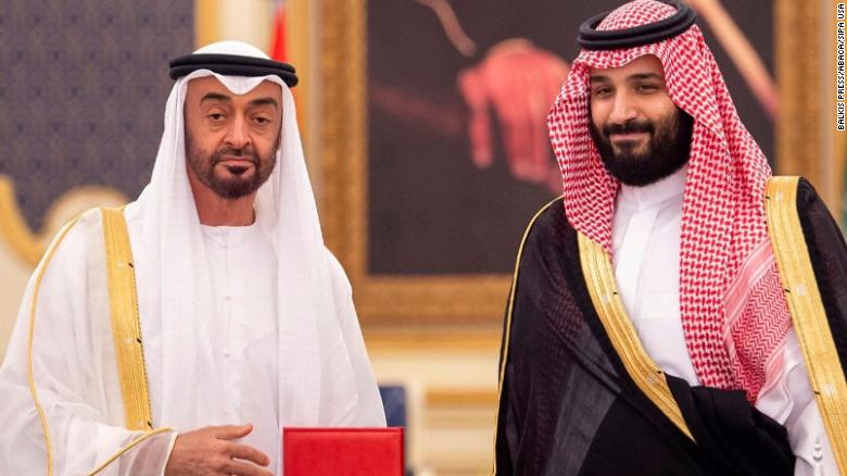 Saudi Crown Prince Mohammed bin Salman (R) with UAE Crown Prince Mohammed bin Zayed in Jeddah on June 6, 2018.